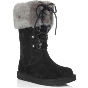 UGG BOOTS.SIZE 7